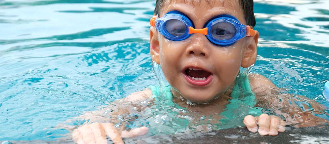 Badebassin - Tag en kølig dukkert i det gode vejr