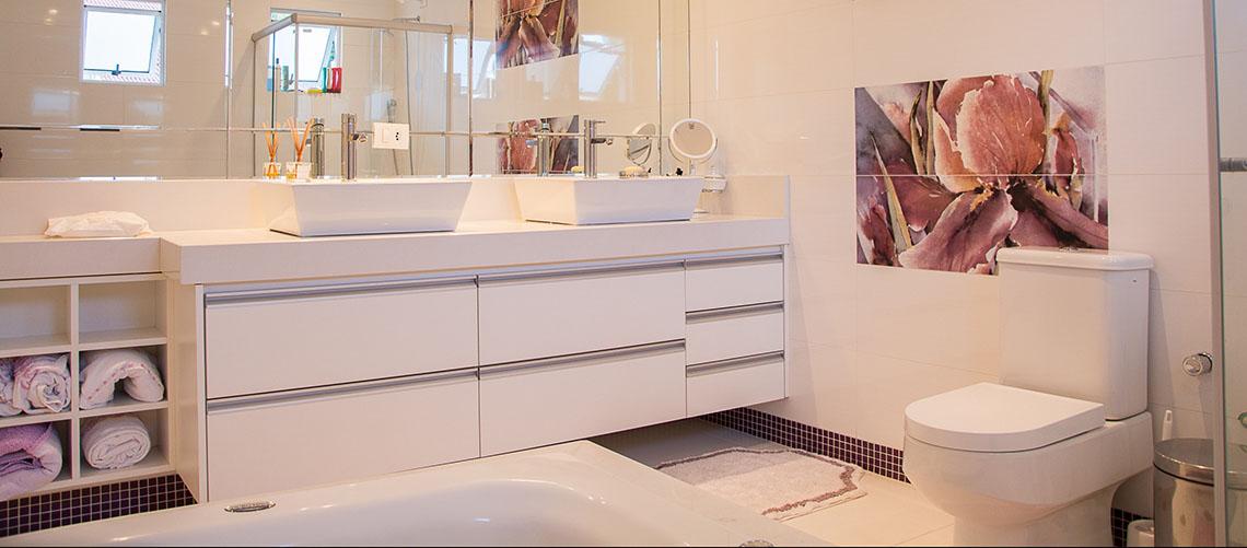 Den rette belysning til dit badeværelse